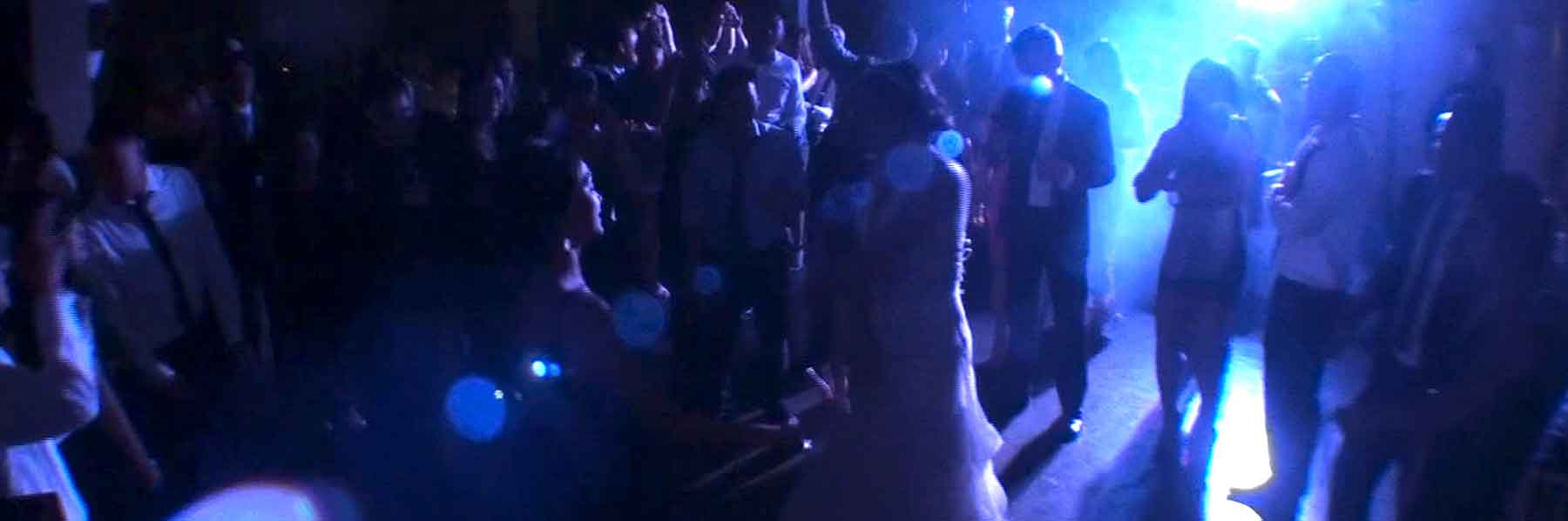 Packed-Dancefloor-at-Bayview-Golf-&-Country-Club-Thorn-Hill-Wedding